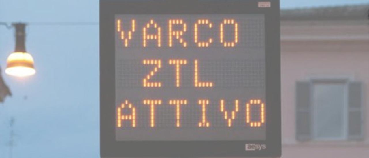 Ztl, la scritta 'varco attivo' diventa illegittima